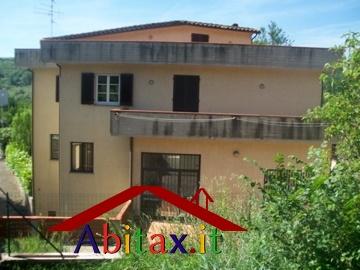 Villa in vendita a Cavriglia, 10 locali, prezzo € 495.000 | Cambio Casa.it