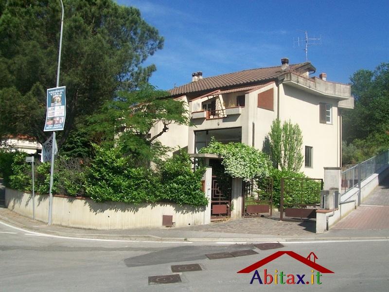 Ufficio / Studio in affitto a Cavriglia, 10 locali, prezzo € 1.900 | Cambio Casa.it