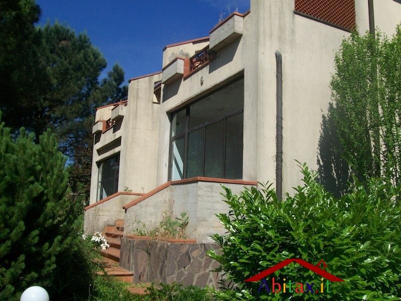 Ufficio / Studio in affitto a Cavriglia, 10 locali, prezzo € 1.950   Cambio Casa.it