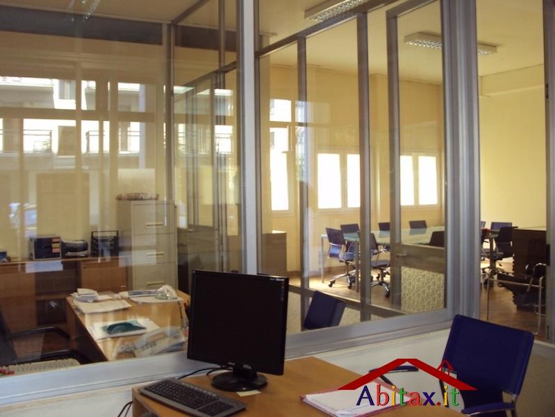 Ufficio / Studio in vendita a Arezzo, 15 locali, prezzo € 229.000 | CambioCasa.it