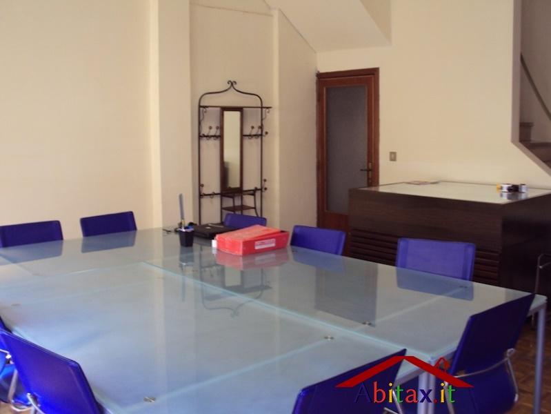 Ufficio / Studio in vendita a Arezzo, 15 locali, prezzo € 229.000 | Cambio Casa.it