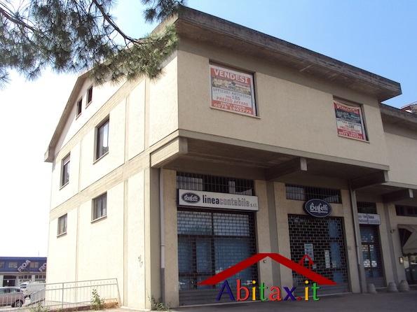 Ufficio diviso in ambienti/locali in vendita - 185 mq
