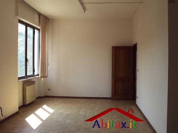 Ufficio / Studio in vendita a Arezzo, 9 locali, prezzo € 144.000 | CambioCasa.it
